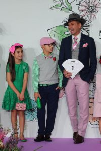 Stakes Day - Family FOTF - Millinery.Info (1 of 6)
