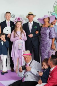 Stakes Day - Family FOTF - Millinery.Info (2 of 6)
