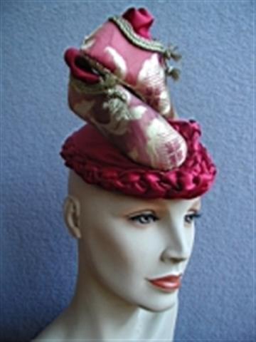 Red shoe hat by Waltraud Reiner